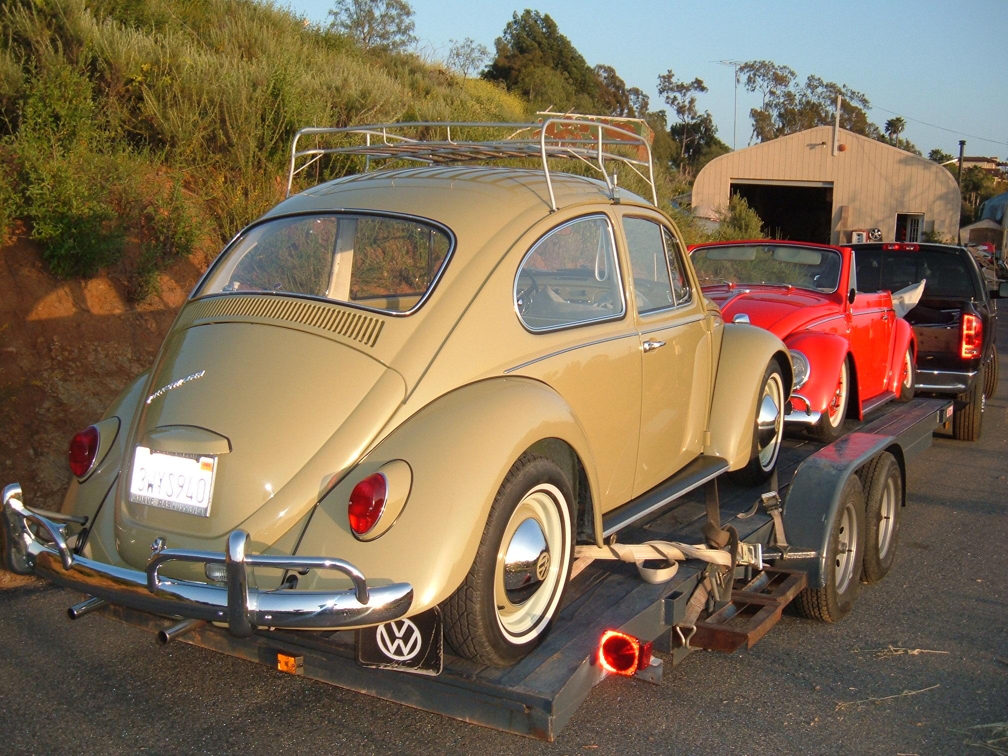 '67 VW Bug rear view