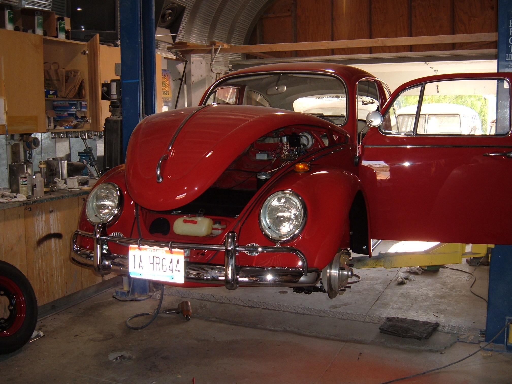 '66 VW Beetle: Front
